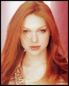 Headshot of Laura Prepon